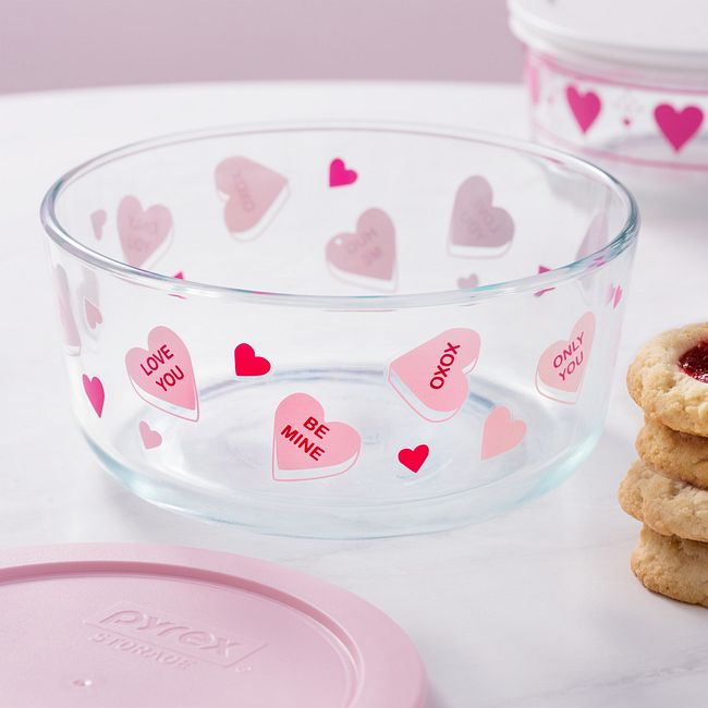 Candy Hearts 7-cup Glass Food Storage Container with Pink Lid