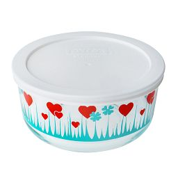 4 Cup Lucky in Love Storage Dish with White Lid On