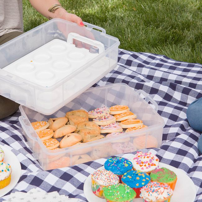 Snap 'N Stack Enter-Tainers 2 Layer Cookie, Cake & Brownie Carrier
