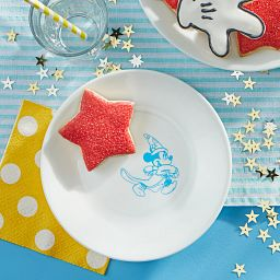 "6.75"" Appetizer Plate: Mickey Mouse™ - Sorcerer with cookie on the table"